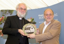Richard Bauckham receives the Prize from Archbishop Rowan Williams